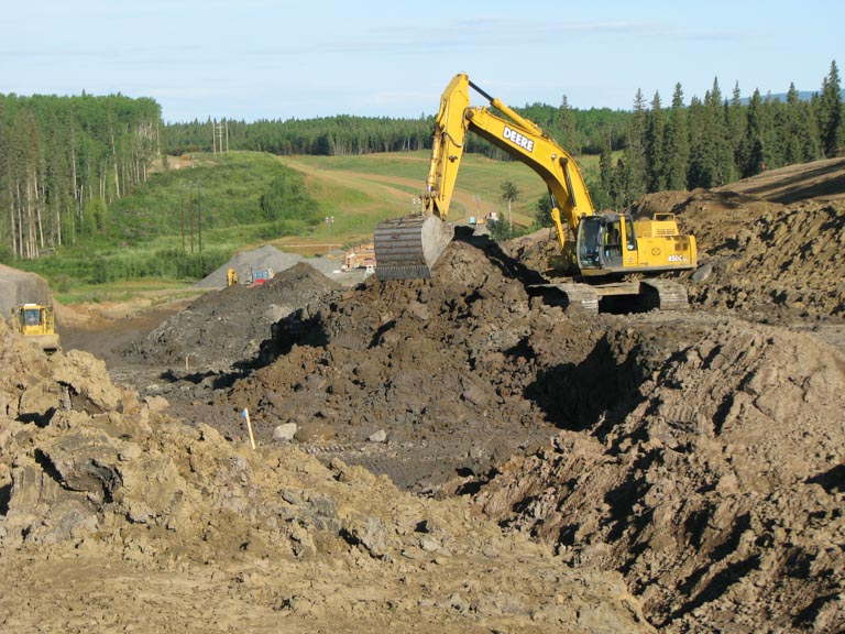 Northern Road Builders - La Crete, Alberta - Excavator